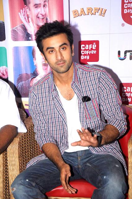Ranbir Kapoor & Ileana promote 'Barfi!' at Cafe Coffee Day