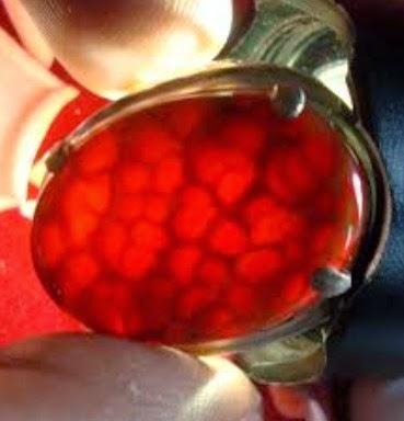 batu sisik naga merah