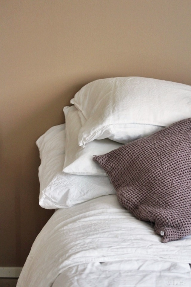 makuuhuone pellavalakanat tinekhome beige valkoinen