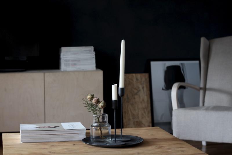 kynttilät ja mustavalkoinen printti