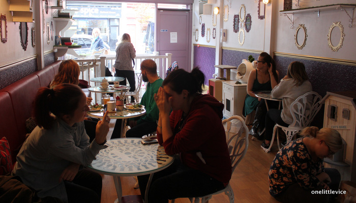cafe cafe in london: one little vice lifestyle blog
