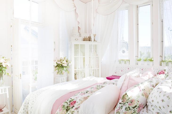 Stupenda camera da letto realizzata con mobili...Ikea. Il mobile è ...