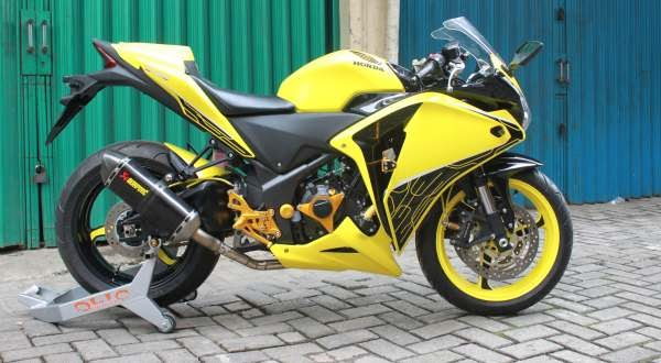 Modifikasi Motor Terbaru: Modifikasi Honda CBR Trend 2010-2011