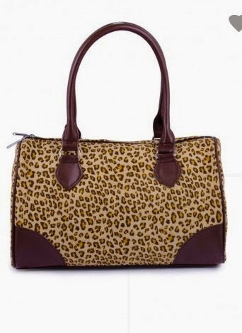 How Many Types Of Bags A Girl Should Own?
