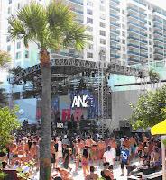 Music at Gansevoort Hotel, South Beach, Miami