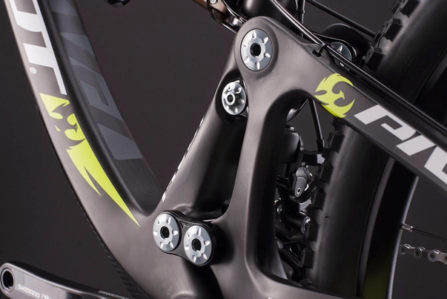 Bike News, Carbon Mountain Bike, Report, Look Closer, New Bike, pivot mach 6 carbon, pivot mach 6 2015