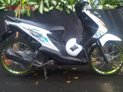 modifikasi motor honda beat putih