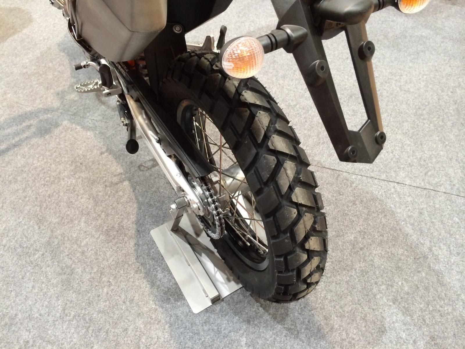 2014 KTM 690 Eduroro R tires
