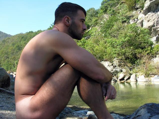 Alessandro calza nude