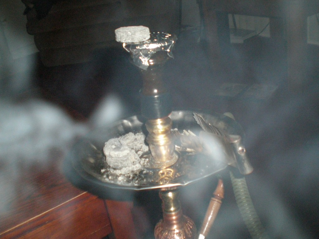 the dangers of hookah smoking Common hubbly (hookah) myths the names may sound cool, but they are not they are dangerous and addictive killers cansa is especially concerned regarding the increased use of water pipes, hubbly bubbly or hookah-smoking among young people, as their lungs are still growing and smoking can cause permanent damage.