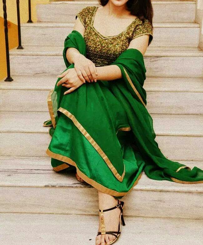 green dress beautiful dp