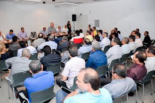 Governador José Melo reúne prefeitos do interior do Amazonas para apresentar cenário econômico do Estado e discutir prioridades de investimento