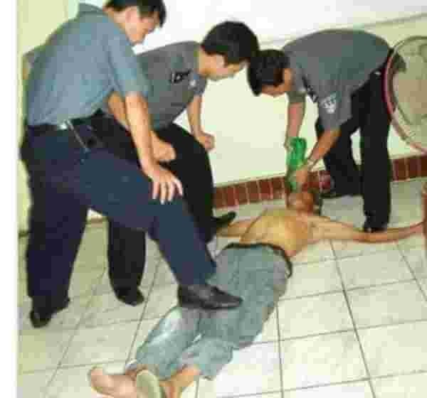 Image result for siksaan kepada uighur