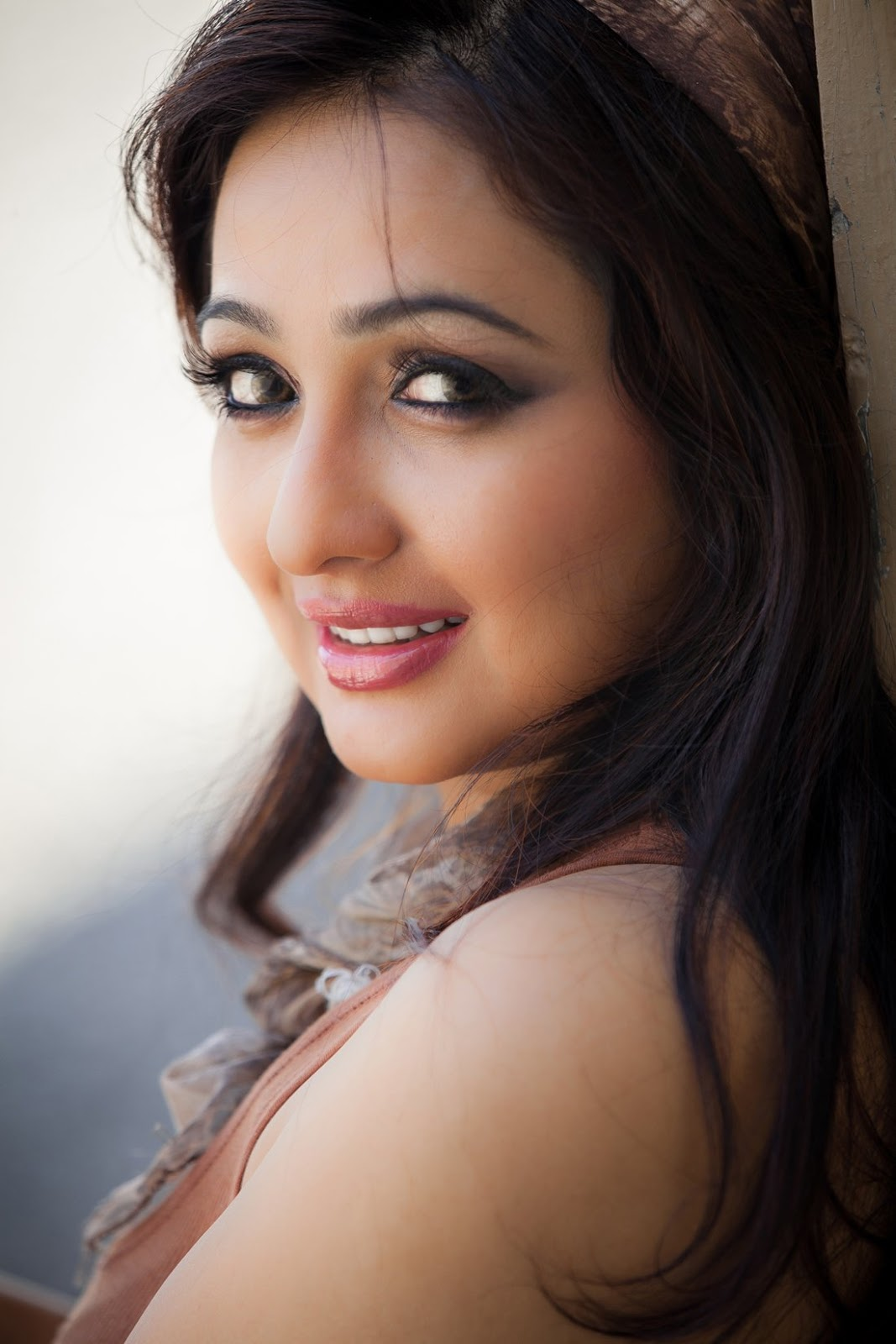 Actress Aavaana Hot Photoshoot | HD Wallpapers | Download ...