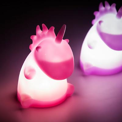 twee eenhoorn lampjes roze en lila