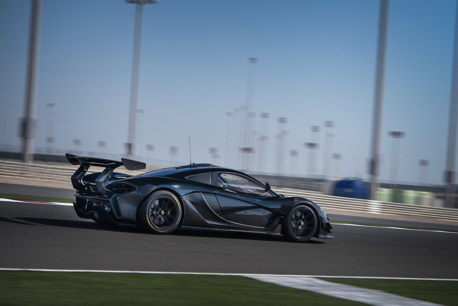 Mclaren p1 gtr extreme track weapon unveiled pictures - Mclaren P1 Gtr Extreme Track Weapon Unveiled Pictures 16