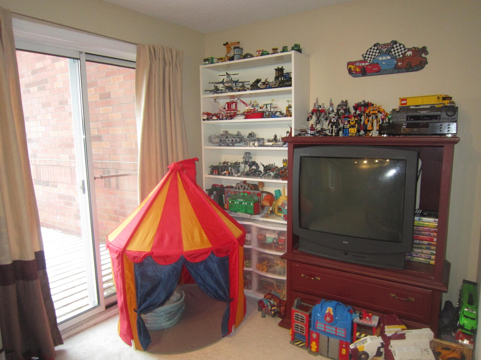 Home decor, playroom organization, toy organization, brown drapes