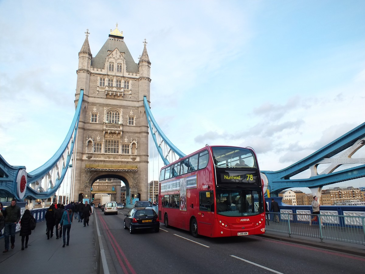 montreur d 39 images bus londonien. Black Bedroom Furniture Sets. Home Design Ideas