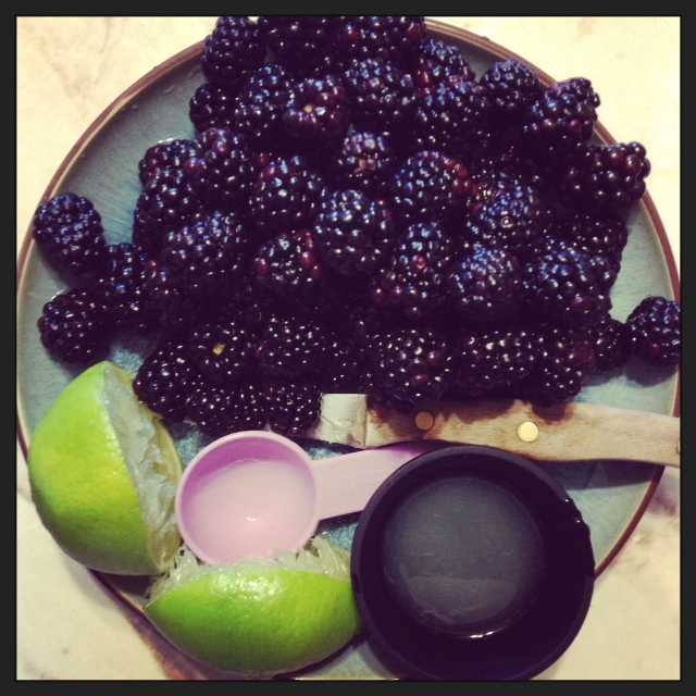 blackberry+lime+cake,+blackberry+plate+fresh+yum.JPG