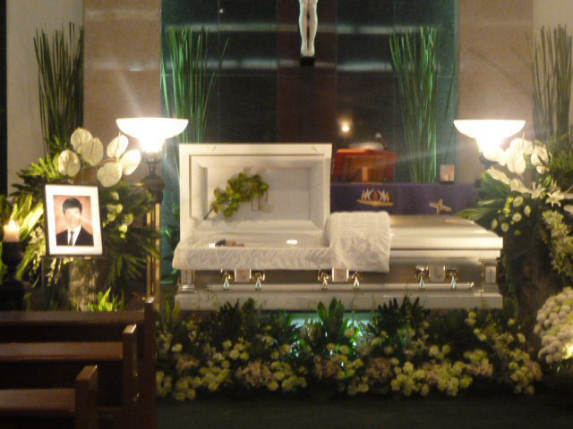 aj perez 39 burial update schedule and details announced. Black Bedroom Furniture Sets. Home Design Ideas