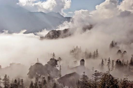 tải hình nền spa trong sương mù