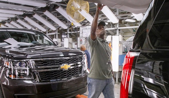GM Could Potentially Boost Production of Full-Size SUVs