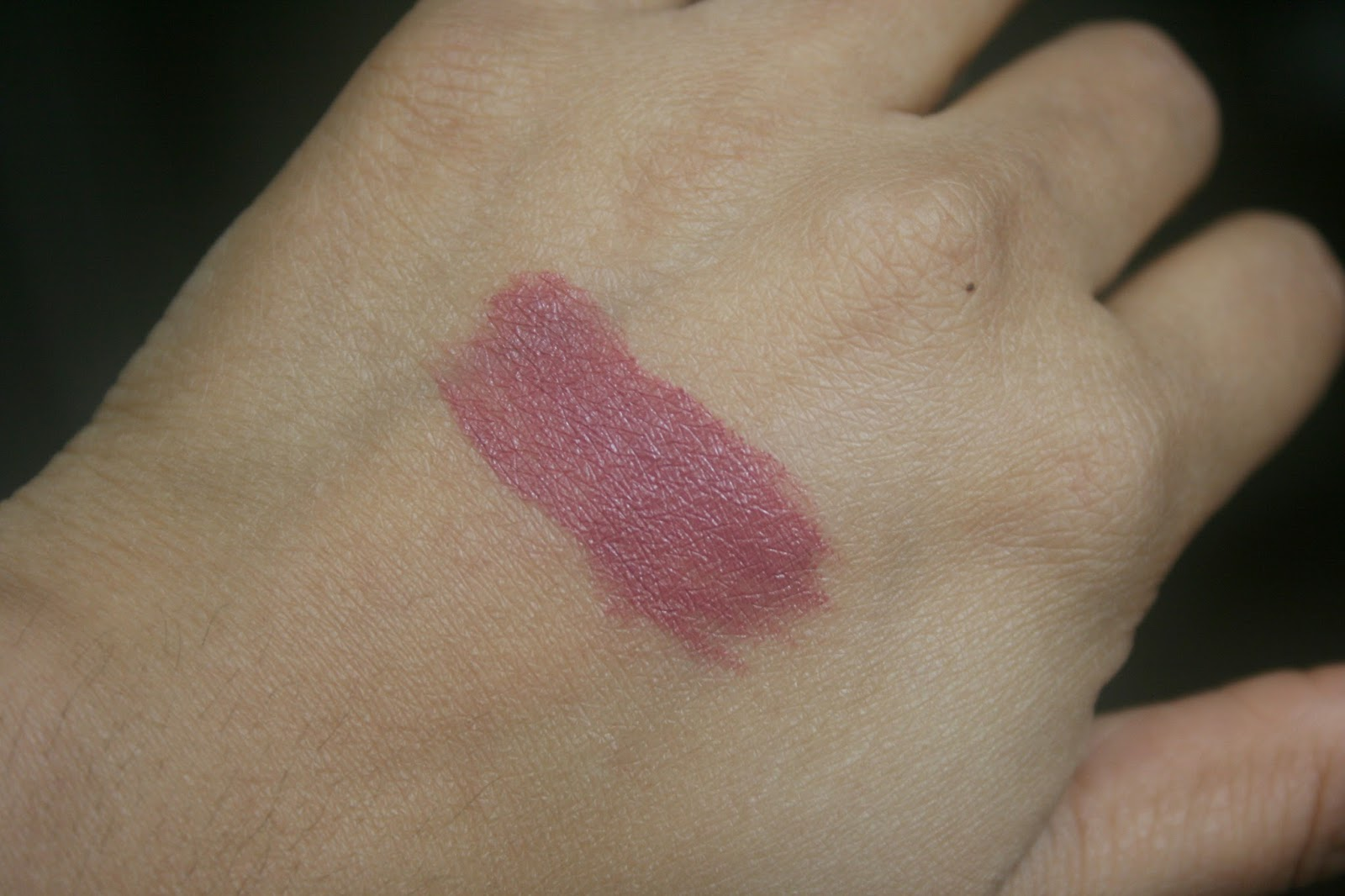 Bite Beauty Butter Cream Lipstick in Rosewood Swatch