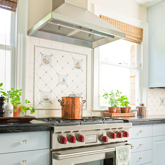 Low Cost Backsplash: Kreative Homez: KITCHEN HOOD