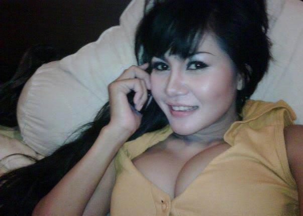 Kumpulan Foto Artis Seksi Indonesia - 18