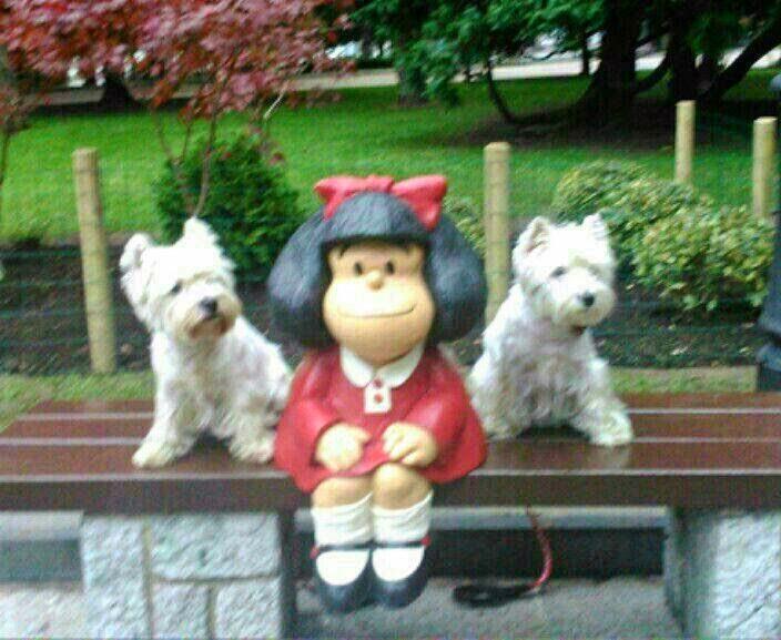 Kike y Keka 5 y 1 año con Mafalda