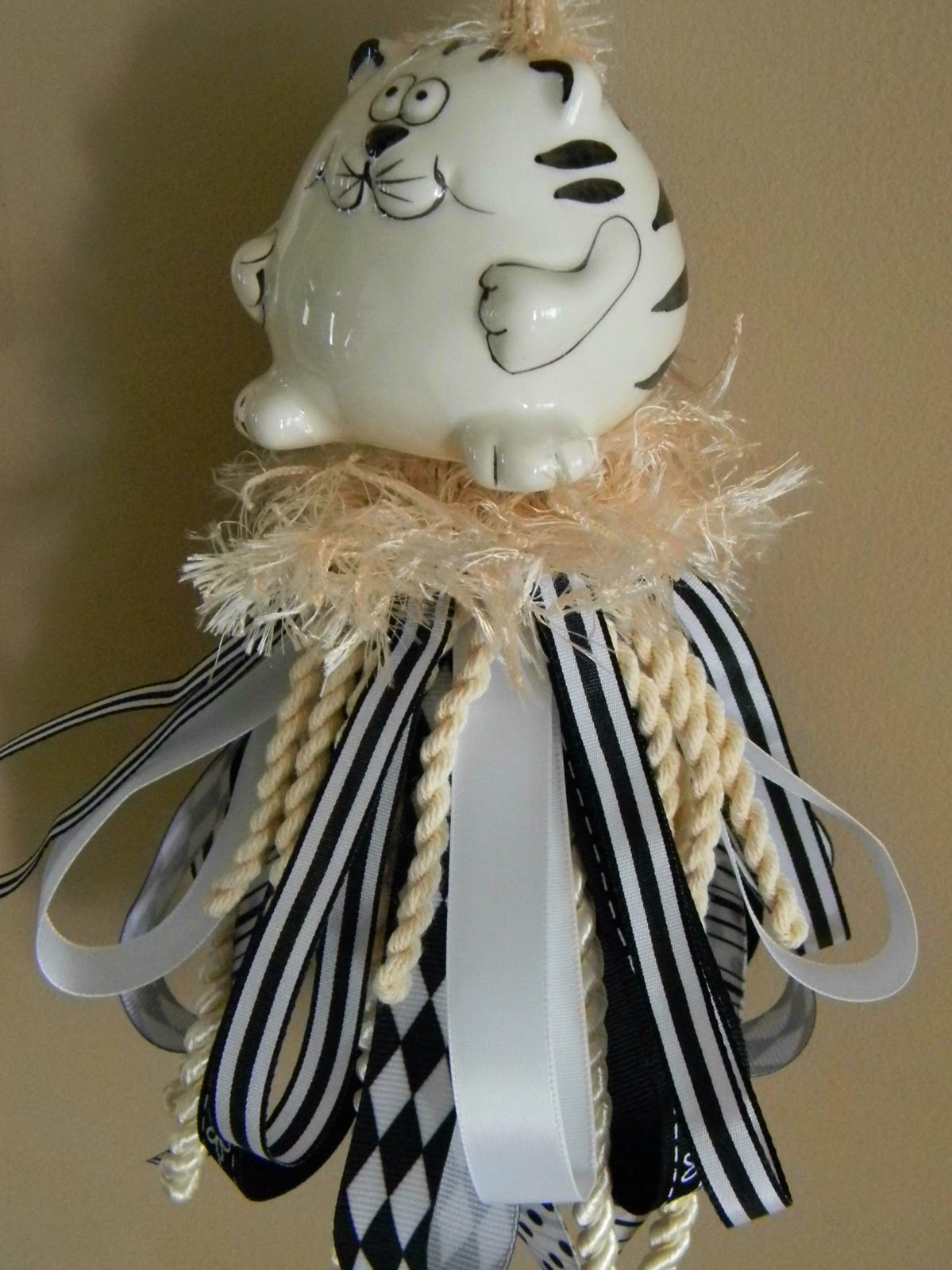 Forever Decorating!: Kitty Tassels