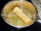 Clatita brasoveana cu ciuperci, carne si crusta de pesmet prajita in ulei
