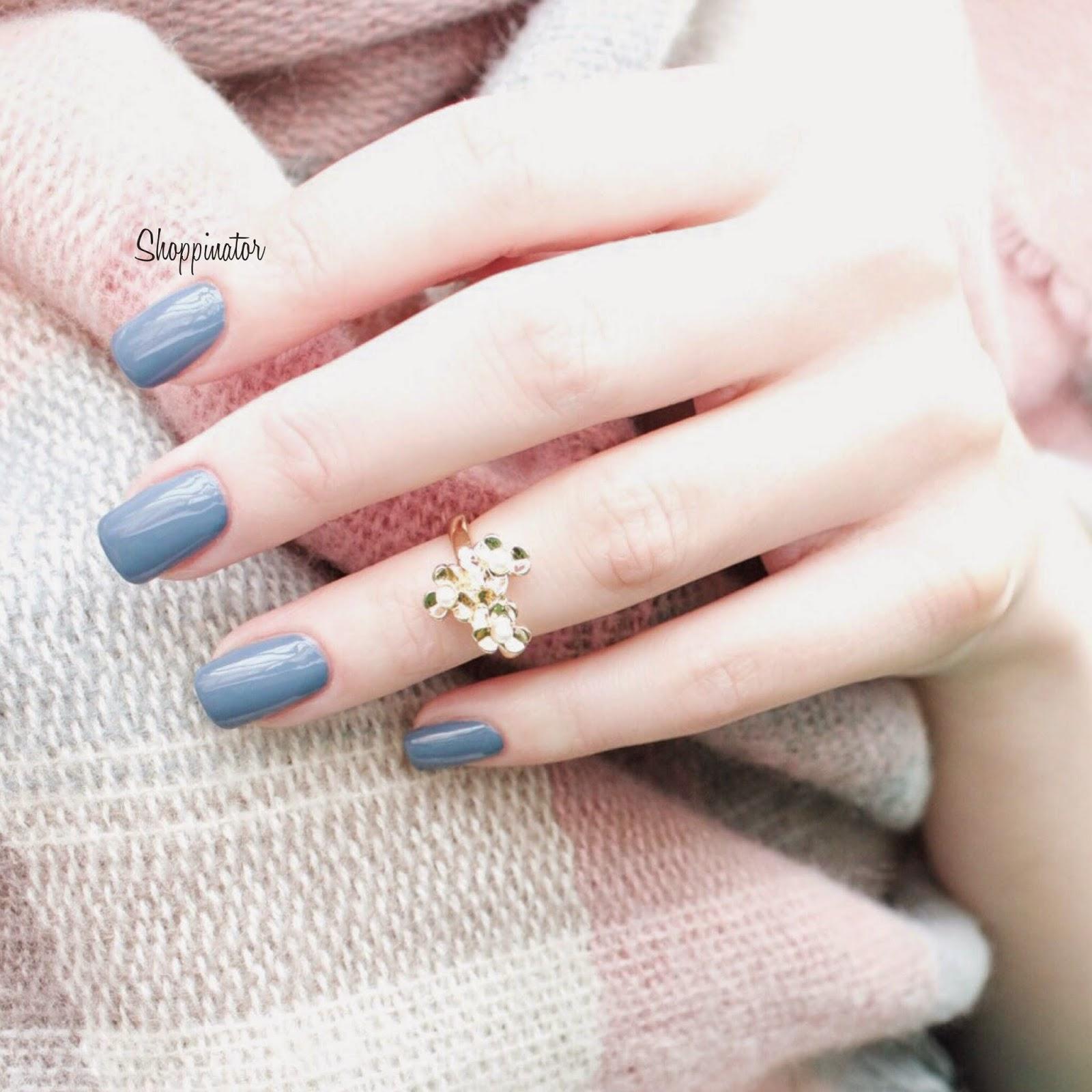 Anny-Blue-Fashion-Show-Swatch-Shoppinator-Nagellack-Notd-Nailpolish