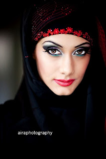 Arabian Black Abaya With Red Embroidery Collection 2012 | Dubai Abaya