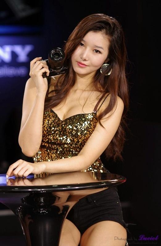 Korean Models – P & I 2012 Part 5