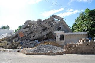 Afectada de Edificio colpasado pide responder por las perdidas del siniestro