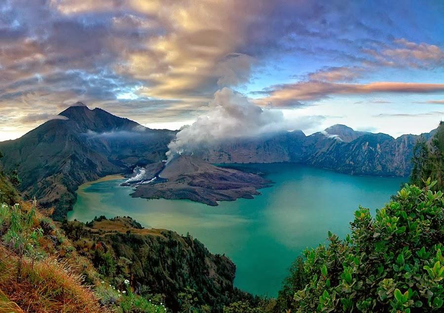 7 Gunung Berapi Tertinggi di Indonesia