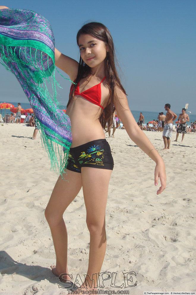 Preteen girl nude pics