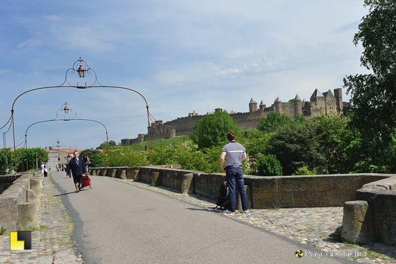 Le pont médiéval de Carcassonne photo pascal blachier