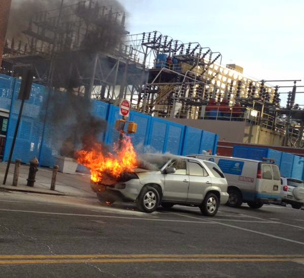 Ev Grieve Suvs Now Catching On Fire Outside The Con Ed Plant