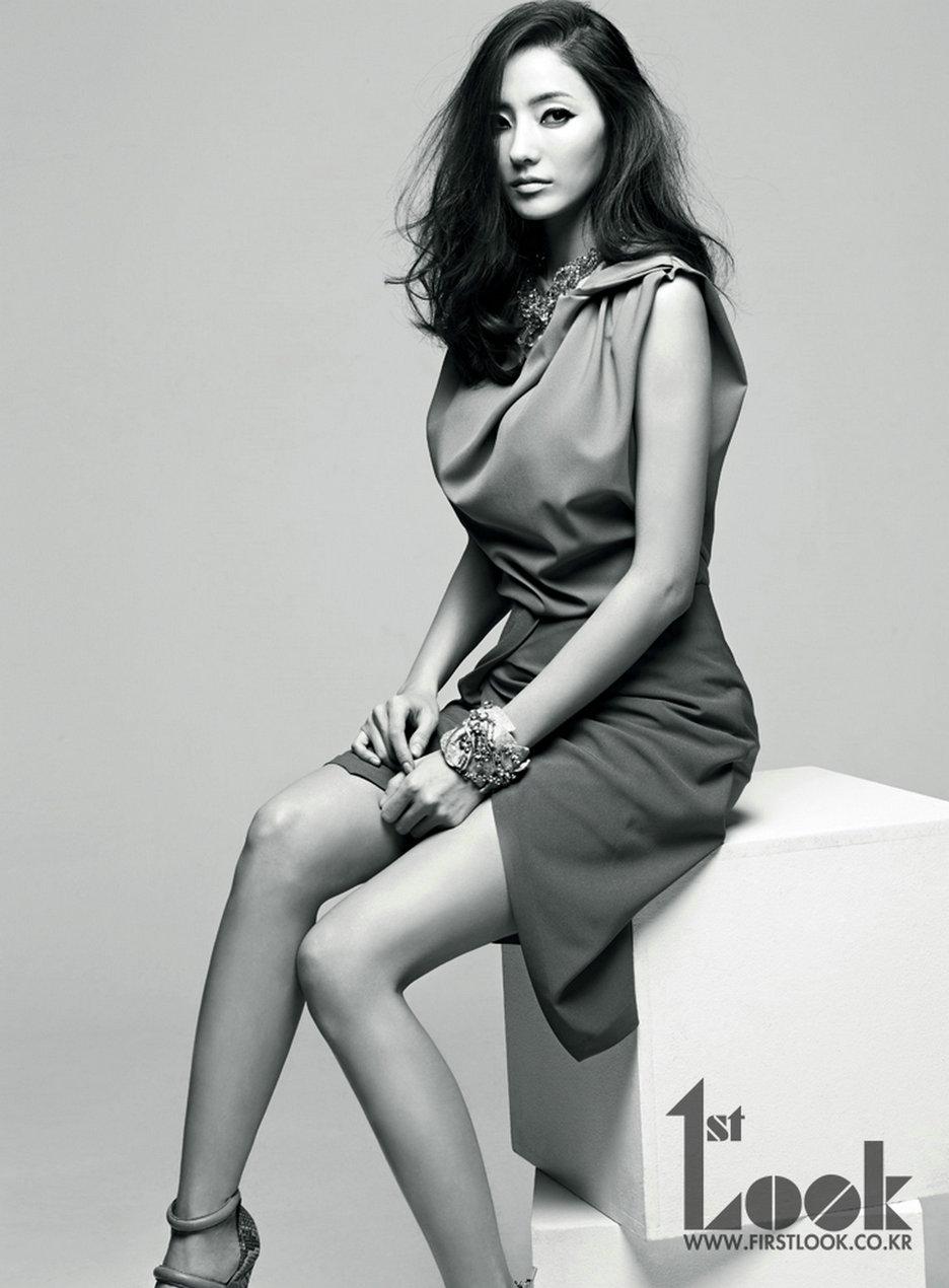 http://2.bp.blogspot.com/-YSGN4pKFf08/UV3ioOygONI/AAAAAAAAdWo/L-0850g-bGg/s1600/Han+Chae+Young+-+1st+Look+Magazine+Vol.+42+Beautiful+Girl+%25285%2529.jpg