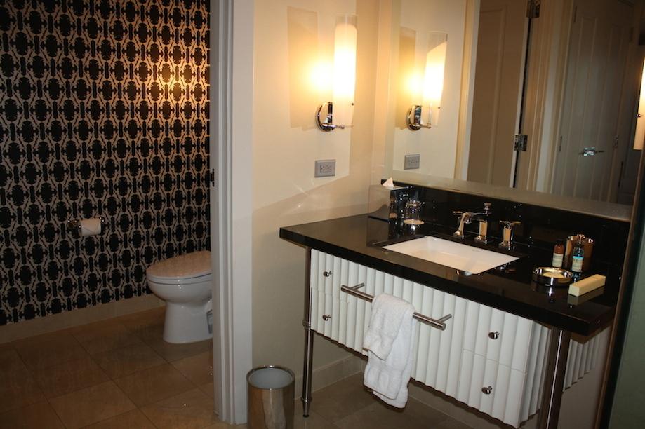 Bathroom Accessories Las Vegas cosmopolitan las vegas hotel: corner 1br suite 180° view - any tots