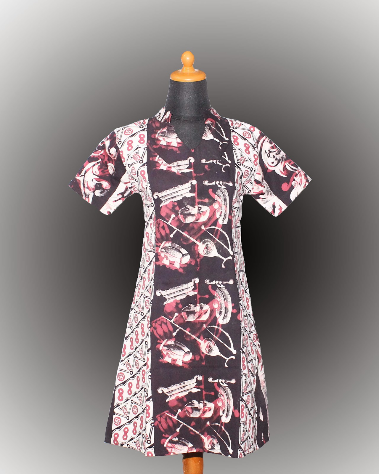 Baju Batik Wanita Rp 175 000 size S M L XL