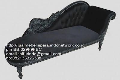 toko mebel jati klasik,jual sofa Classic Eropa,Jual Mebel Jepara,Sofa Classic cat Duco,Sofa Classic Jepara,Sofa Classic High class,Jual Mebel ukir asli Jepara,Jual Sofa Classic CODE-SFTM 157 sofa angsa classic cat duco