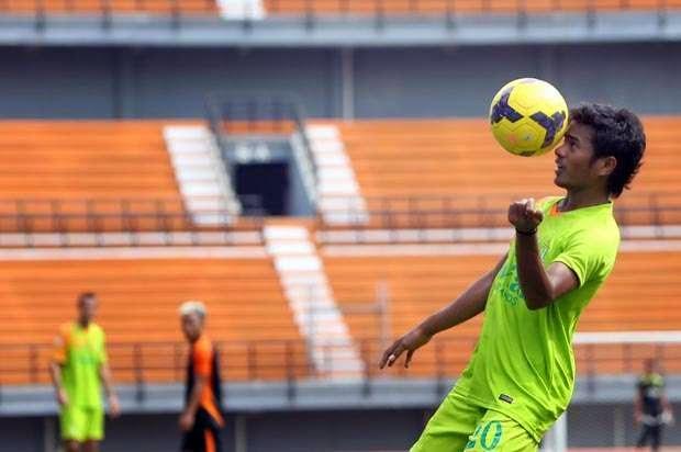 Hasil Pertandingan Semen Padang 0 vs 1 Persebaya SCM Cup 2015