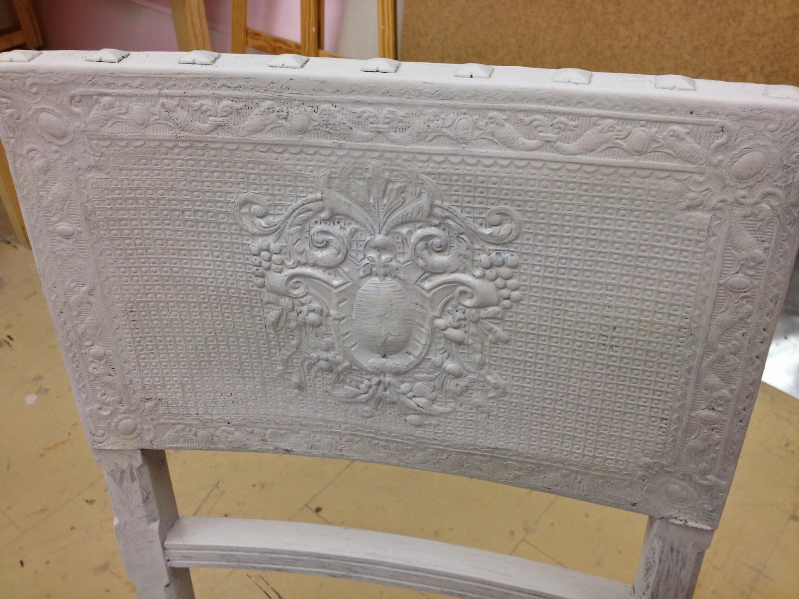Peinture sur meuble chaise en cuir cours de for Peinture sur meuble