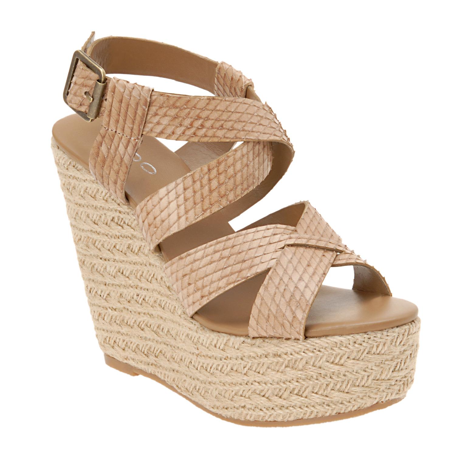 http://2.bp.blogspot.com/-YSouoAzz1JU/TZTwFZZ9d2I/AAAAAAAAAA0/WApdTAFt6Mo/s1600/shoe.jpg
