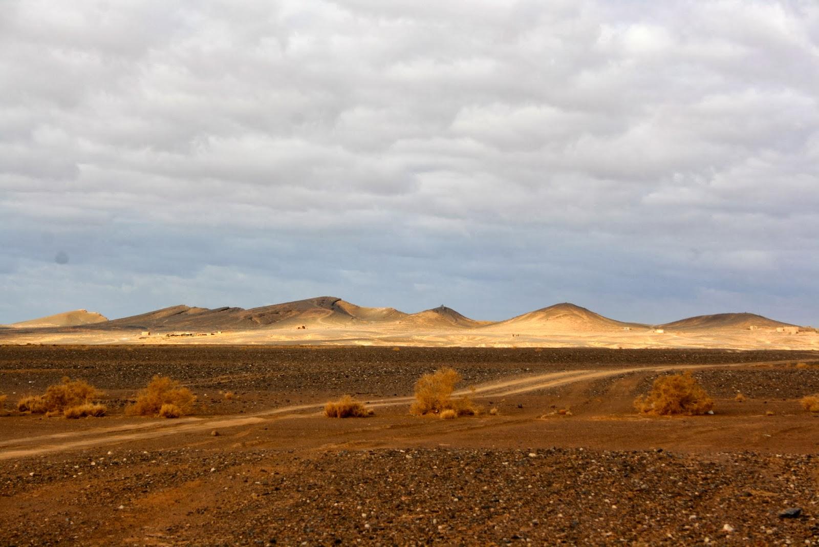 desierto de marruecos, felicidad, alojamiento rural, arfoud, merzouga, viajes por marruecos
