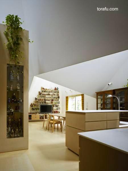 Interior de casa japonesa minimalista de concreto