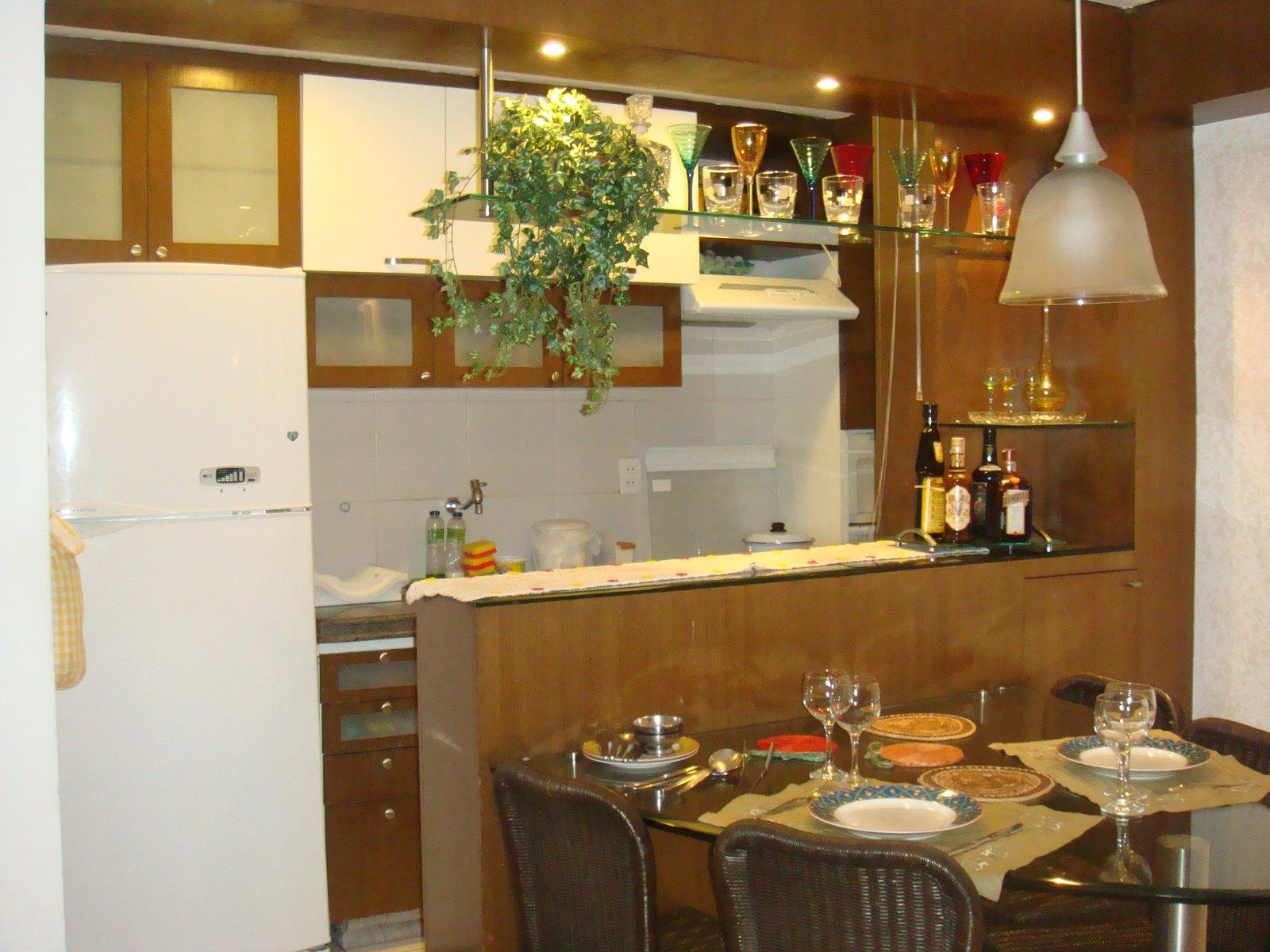 Cozinha Americana Ideal para Cozinhas Pequenas.jpg #6F431B 1600 1200